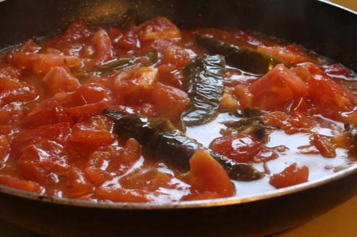 If your Bandora is looking dry, you can pour a little bit of water over the tomatoes to help create more sauce.